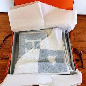Hermes bath wrap and wash cloth